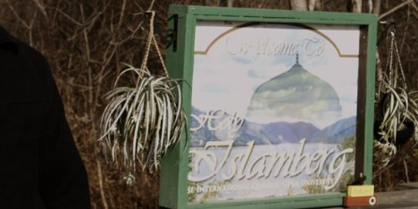 xIslamberg-Sign-Photo-HP